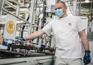 Škoda omezí výrobu ve svých závodech.