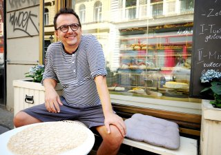 Antonio Sandev velí kuchyni.