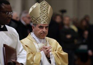 Italský kardinál Giovanni Angelo Becciu