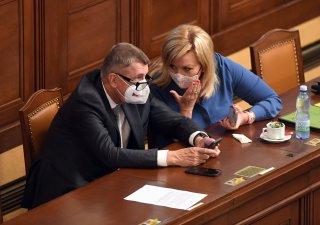 Premiér Andrej Babiš a ministryně financí Alena Schillerová ( oba za ANO)