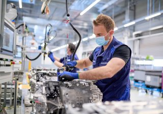 Výroba elektrického pohonu pro modely BMW iX a BMW i4.