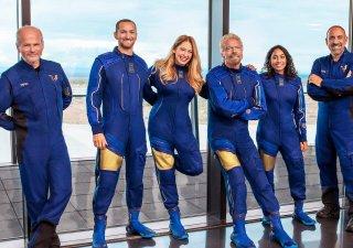 Richard Branson a první posádka jeho vesmírného letu
