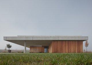 Vila v Kostelci nad Ohří vznikla podle návrhu architektů ze studia ADR.