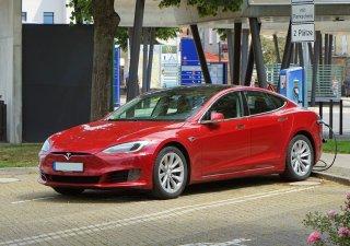 Tesla prodala v září 56 006 vozů vyrobených v Číně, nejvíce od zahájení výroby v Šanghaji zhruba před dvěma lety a o 27 procent více než v srpnu.