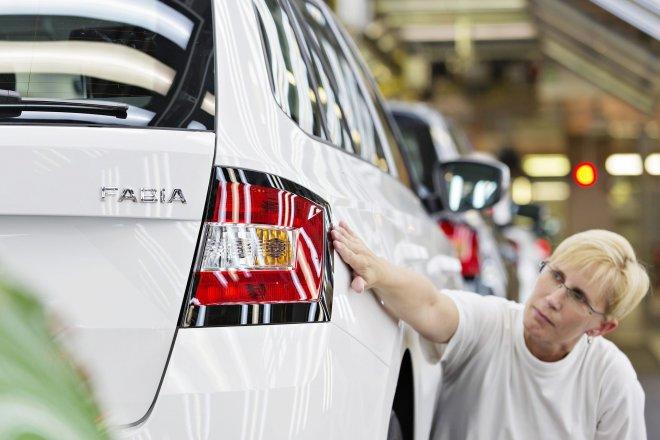 Odstávka výroby se ve Škoda Auto prodlouží o další týden