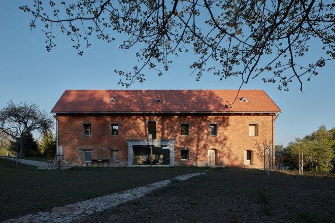Povedená rekonstrukce soutěží o prestižní architektonickou cenu