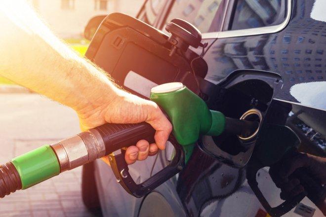 Benzin i nafta v Česku dál prudce zdražují. Může za to plynová krize