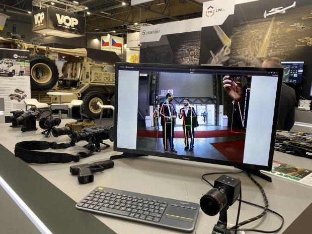 Zbrojní veletrh Idet nabízí tradici, inovace i umělou inteligenci