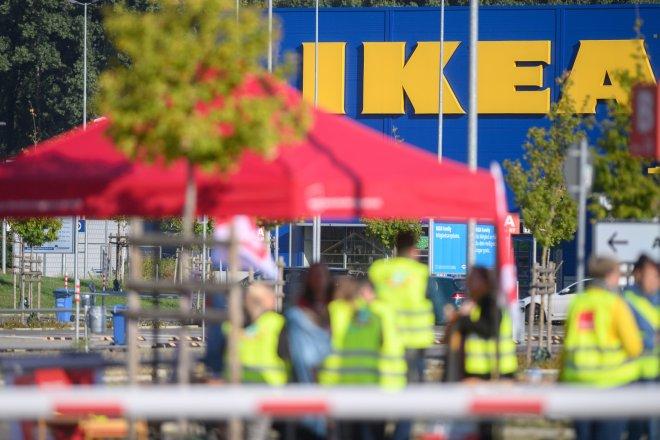 Covid výlety do Ikei nezastavil. Zákazníci rekordně utráceli na internetu
