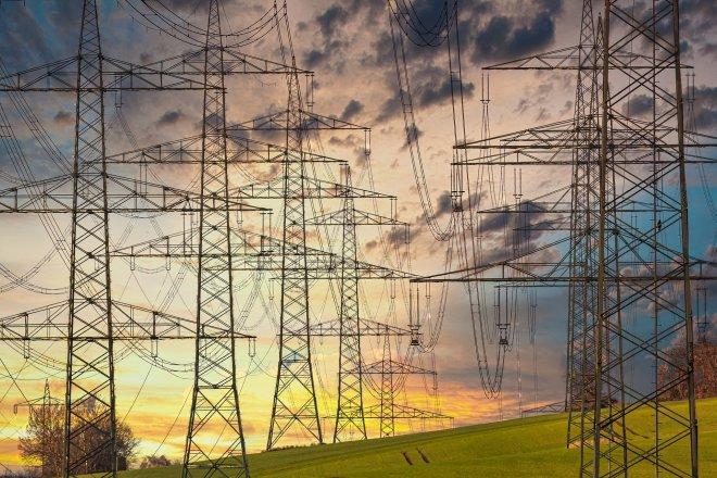 Brusel navrhl kroky proti drahé energii, zrušit DPH na elektřinu nepodpořil