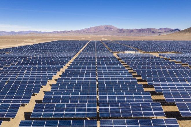 GALERIE: Český solárník Sobotka staví sluneční elektrárny v Chile