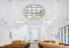 Kostel Krista Spasitele a komunitní centrum, Praha – Barrandov (Jakub Žiška, Pavel Šmelhaus)