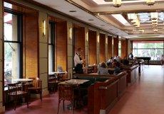 Legendární Kavárna Slavie po roční uzavírce otevřela ve středu 15. září.