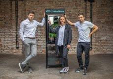 Společnost GreeTech založili v červenci 2020 Dmitrij Lipovskij, Karolína Pumprová a Milan Souček.
