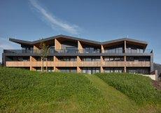 Při navrhování fasády se architekti snažili použít co nejméně materiálů...