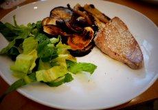 Grilovaná zelenina s tuňákem
