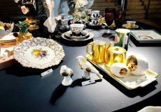 Pár kilometrů od Drážďan najdete Míšeň a v ní proslulou fabriku na porcelán. Její produkty stojí stovky eur.