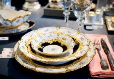 Krásné talíře zdobí i zlato. Takové unikáty mají solidní investiční potenciál.